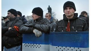 Twitter14年3月22~23日 ウクライナ南東部で親露派武装グループ7万人が組織で混乱が拡大 警察組織への内部告発本