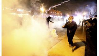 ロス暴動の再来を懸念する米国 本日ミズーリ州の黒人青年射殺事件の警察官が不起訴に。経済と家計への影響