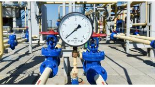 (有料)止まらない原油安が招く世界経済の不安定化 FRBが行った金融政策のバブル化の結果