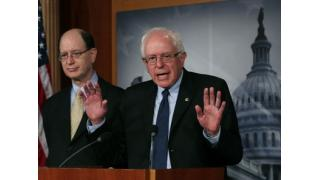 米国大統領選の民主党の立候補者、サンダーズ上院議員がFRBが銀行家に乗っ取られていると告発