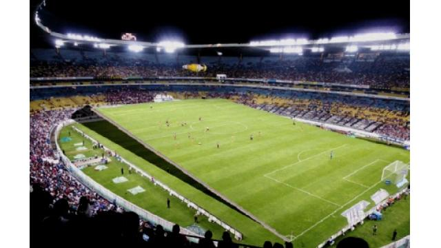 傾斜フィールド備えるサッカー場が完成、親善試合も 滋賀