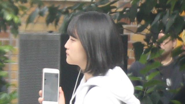 """《ツーショット写真》""""AKBの救世主""""矢作萌夏が同級生とディズニーランドデート"""