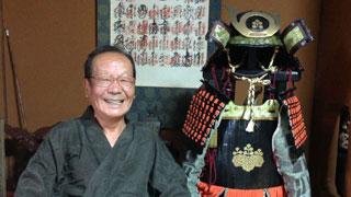 ダンボールで戦国甲冑を作った69歳