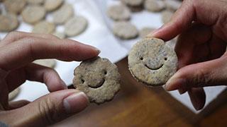 みんな大好き、コオロギクッキーが焼けたよ!
