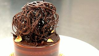 食べる芸術!チョコレートが香る「ノワゼッティーヌ」