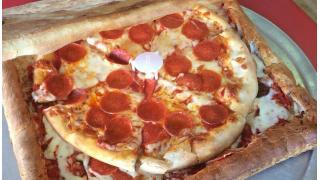 ピザを入れる箱すらもピザ化するという暴挙 アメリカの人気ピザ屋が考案した「ピザボックス・ピザ」