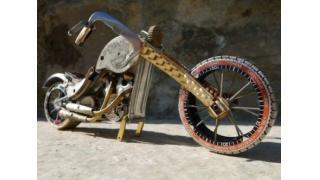 「腕時計」のジャンクパーツだけで最高にCOOLなアメリカンバイクを作る男