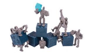 """「天空の城ラピュタ」のロボット兵たちを""""ツムツム""""して遊ぶミニフィギュア登場"""