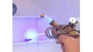 なにこれ超カッコイイ! 人気ゲーム「LoL」に登場するレーザー銃を完全再現した猛者が現れる