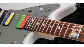 ゲーマーなギター職人が作り上げた「スーパーファミコン」をモチーフにしたエレキギター