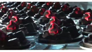 黒い三連星をモチーフにした豆腐スイーツ「トリプル・ドムとうふ」登場、8月21日からジェットストリーム出荷!