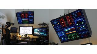 緊急ボタンもあるぞ! 宇宙船のコクピットみたいなパソコン環境を構築した男