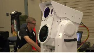 ドローン絶対殺すマン ボーイング社がポータブル・レーザー砲を開発、実証映像を公開