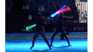 これがジェダイ・マスター同士の戦い…!フェンシング世界大会で披露されたライトセーバーを使ったデュエル