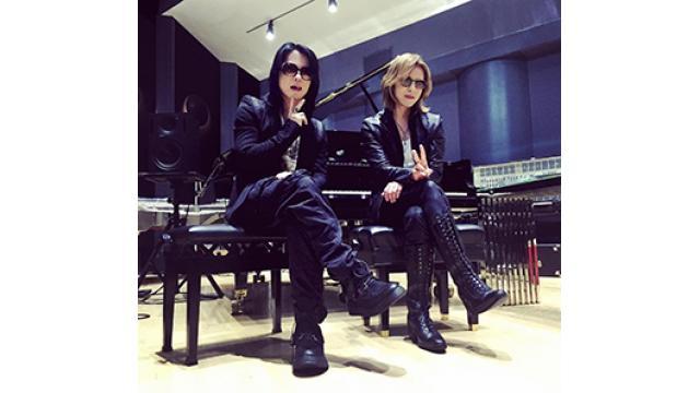 YOSHIKIのレコーディングスタジオにHYDE登場!!何かの前触れか?