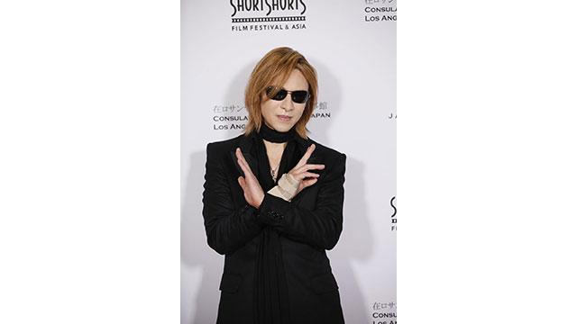 「ショートショート フィルムフェスティバル in ハリウッド」のレッドカーペットにYOSHIKI登場 来週、映画関連で何らかの発表があることを示唆