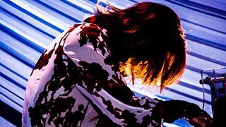 感動の渦!YOSHIKIがディナーショーで魅せた涙【会員限定フォトギャラリーあり】