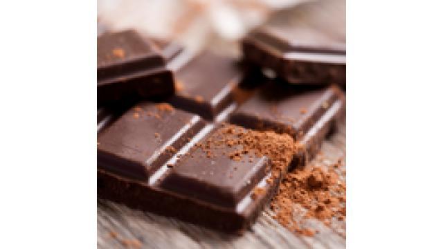 チョコレートを食べ過ぎてしまうと、ニキビはできやすくなります!