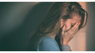 父の死をきっかけにどもりを発症。いじめられ続けた私の半生[体験談](1/2)