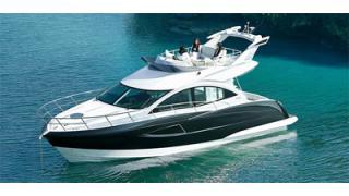 【贅沢図鑑】夏の海へ飛び出そう!「最高級小型ボート」を紹介!