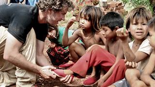 【世界の匠に学ぶ!】貧困地帯に100万足の靴を寄付した起業家「ブレイク・マイコスキー」さんに学ぶ、仕事術!