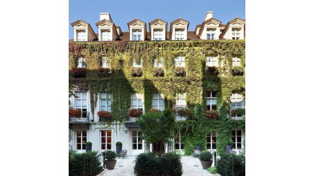 【大人の隠れ家】パリのショッピングスポットに建つ隠れ家ホテル「ル・パヴィヨン・ド・ラ・レーヌ」を紹介!