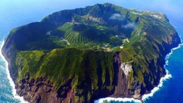 一人旅におすすめの日本の秘境!東京にある謎の孤島「青ヶ島」紹介!
