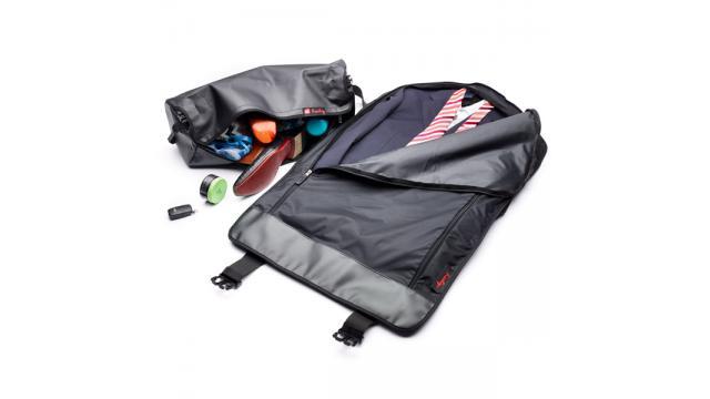 超便利!スーツ一式まるごと収納可能なヘンティのガーメントバッグが新登場!