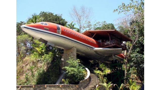 【大人の隠れ家】ジャングルで遭難!?コスタリカにある飛行機ホテル「コスタヴェルデ」を紹介!