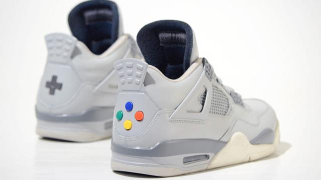ボタンも押せる!「Air Jordan 4」がスーファミ風になったカスタムシューズ登場!