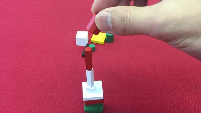 色や形の違うブロックを積み上げろ!大人のボードゲーム『スプラッシュ!』編