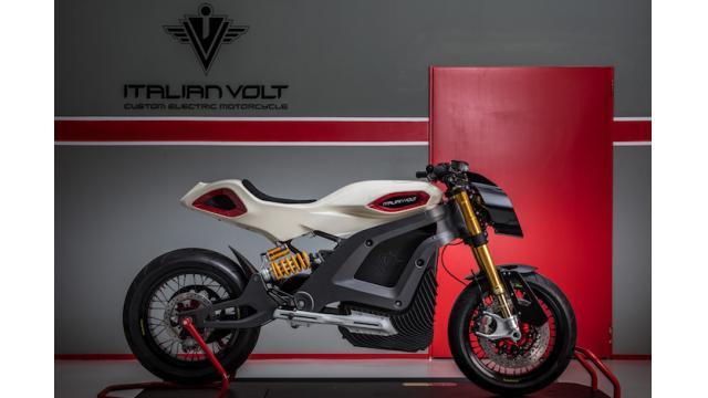 デザインを自由にカスタマイズ可能なイタリア発の電動バイク「Lacama」