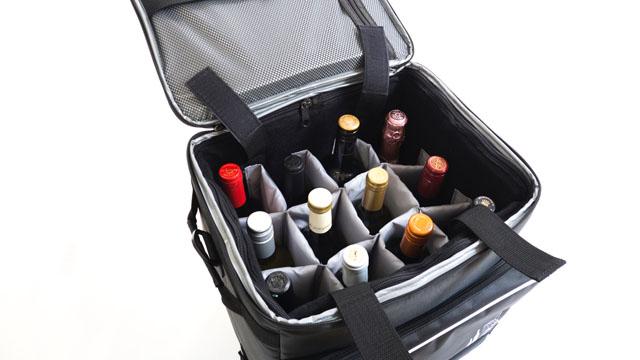 ワインを簡単に持ち運べるキャスター付き保冷バッグ『Bottle Flyer』発売!