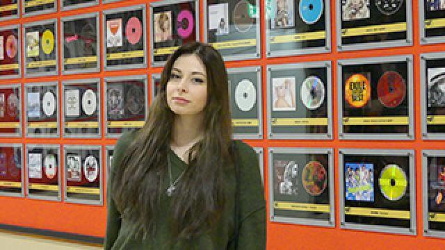 ユリコが仙台コミュニケーションアート専門学校の入学式に列席!