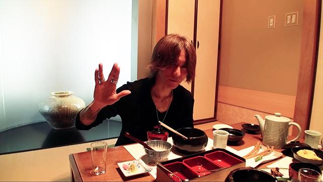SugizoTube 食レポシリーズ「あつた蓬莱軒 in 名古屋」公開!