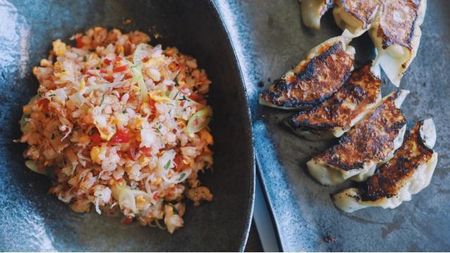【20210407】カリカリ梅と大葉とじゃこの炒飯・ホタテと高菜の餃子