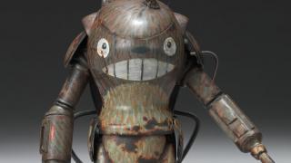 笑顔が逆にコワい...「となりのトトロ」が29世紀の戦闘メカになったら?