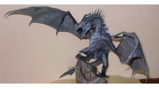 これが紙製だなんて! 『スカイリム』のフロスト・ドラゴンのペーパークラフト