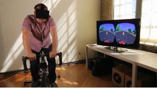 「Oculus Rift」と自転車を使用したレトロゲーム『ベーパーボーイ』への超本格的オマージュ