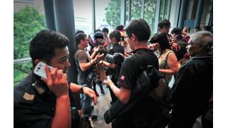 シンガポール発:コスプレイヤーの下乳がきっかけで警察が出動する騒ぎに!!