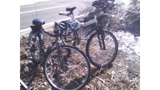 解体屋の知り合いの自転車とツーショット