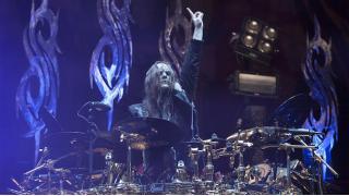 【NEWS】SLIPKNOT から Joey Jordison が脱退したみたい。