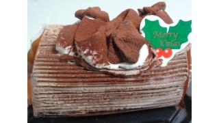 メリークリスマス!!「チョコロールケーキ」 at ファミリーマート
