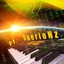 ゲームしたり、ピアノ弾いたりするよ。