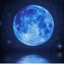 青い月の海の歌