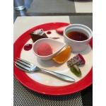 白猫ニャーニャ